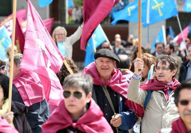 Protesta a las puertas de Fomento. (Foto: J. Lázaro)