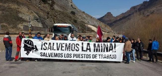 Protesta de trabajadores de la Hullera en Ciñera.