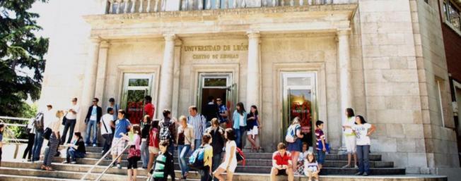 Fachada del Centro de Idiomas de la ULE.