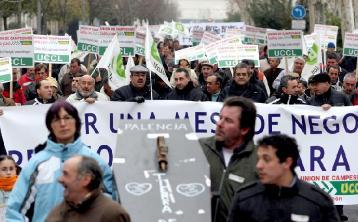 UCCL y distintas cooperativas se manifiestan como protesta por la crisis que atraviesan los ganaderos del ovino. (Foto: Miriam Chacón)